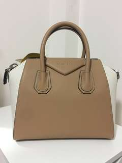 Givenchy Antigona Small Bag -light beige