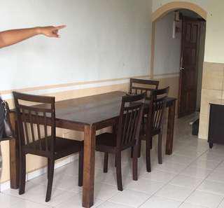 Meja makan 6 seater