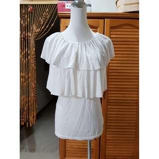 °☆ 珮齊精品舖 ☆° 白色荷葉層次上衣(可變化三種穿法)