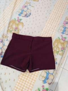 Maroon shortpants