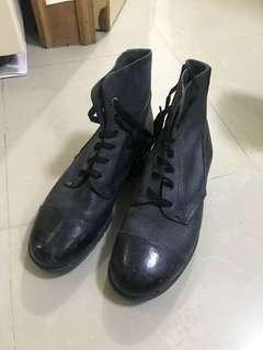 女仕硬頭黑色低筒鞋boots women