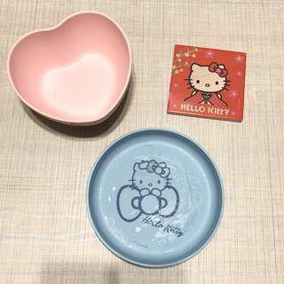 🚚 Hello Kitty餐盤 7-11 LE CREUSET 竹纖維 陶瓷 吸水 杯墊 三個一起賣