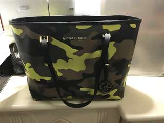 Michael Kors Jet Set Travel small camouflage tote 旅行 迷彩小手提包