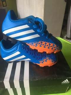 Football/soccer shoes