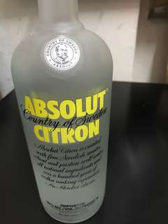 Absolut Citron 1L (half)