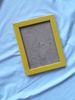 Yelllw picture frame