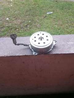 Nissan Almera fan motor