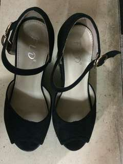 FLD women black wedges