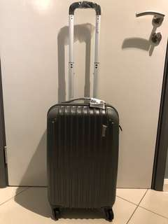 Barry Smith cabin size luggage