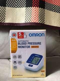 Omron 電子血壓計