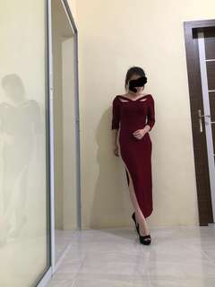 Long slim dress maroon slit side