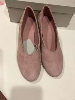 🚚 COS   粉色低跟鞋38號   全新