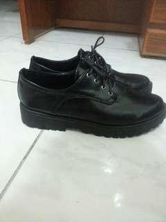 🚚 厚底皮鞋