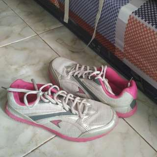 Running shoes power