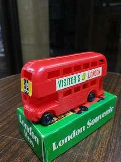 70年代倫敦雙層膠巴士,香港制造 8CM長