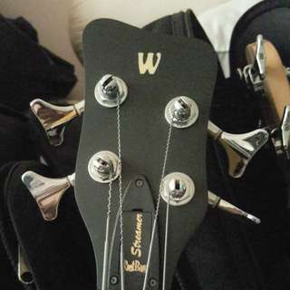 Warwick Corvette double humbucker bass