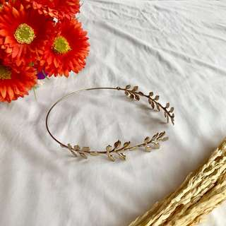 Greek Goddess hair accessory inspired in classy gold