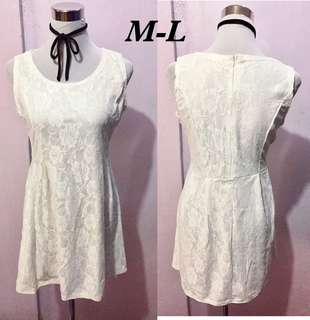 Preloved White lacey Dress