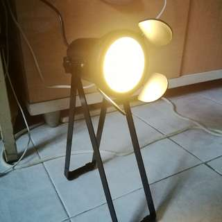 全新LED 特色枱燈(usb插頭)