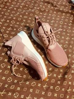 Auth. Reebok Shoes
