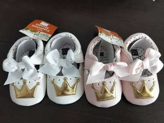 🚚 👑 prewalker shoes white and pink available