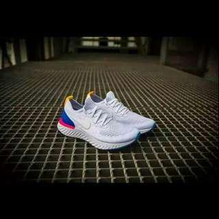 Nike 飛線跑鞋