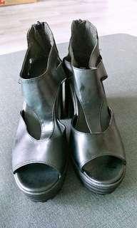 🚚 粗跟涼鞋