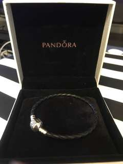 Pandora 黑皮手鏈