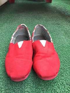 Flat shoes slip