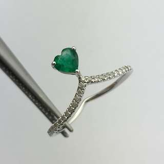 18K白金戒指 30份綠寶 10份鑽石  18K Withe gold Ring 0.30ct Emerald 0.10ct Diamond 可議價