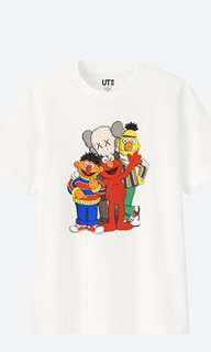Kaws uniqlo M size limited!! 絕版斷市