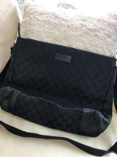 Gucci women's handbag (black)