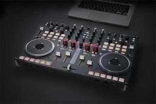Vestax VCI 400 DJ Controller