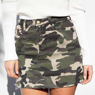 camo denim mini skirt size 6