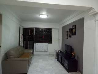 3I HDB flat @ Bedok MRT for sale !