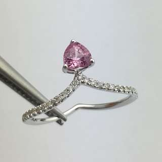 18K白金戒指 45份粉色石 10份鑽石 18K Withe gold Ring 0.45ct Pink Sapphire 0.10ct Diamond 可議價