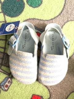 Kids shoes : slips on (Davos) Zara home kids