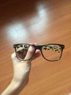 kacamata leopard ( no lens )