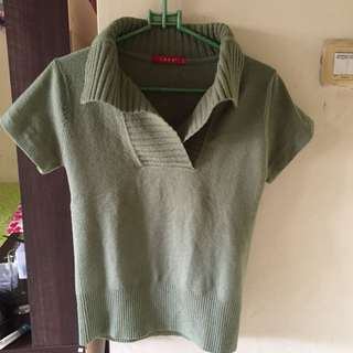Top green knitted