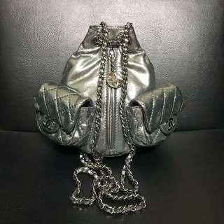 Chanel 限量版銀色mini背包