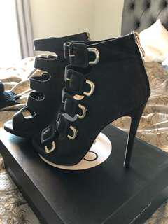 Tony blanco size 7 leather heels