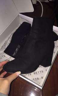 BETTS CHARLOTTE ANKLE BOOTS