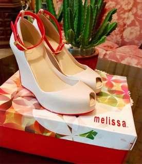 Melissa wedge