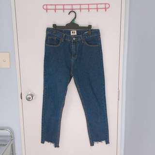 dark blue denim boyfriend jeans