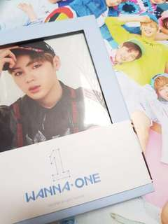 Wanna One: To be one sky ver + poster dan tube