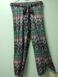 Square Pants with slit in tribal print