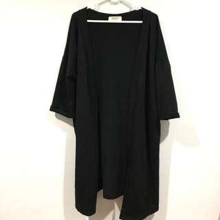🚚 黑色長版罩衫外套