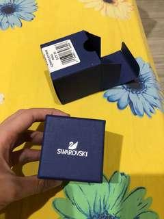 swarovski attract light rectangular ring
