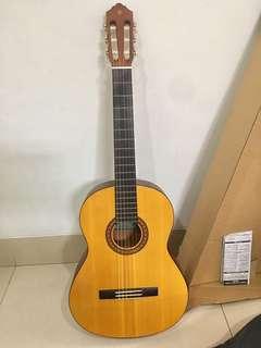 Gitar Yamaha C315 accustic