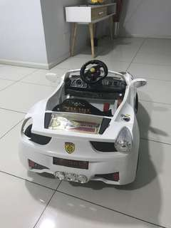 Ride on Toy Car - Ferrari - White